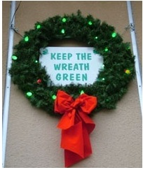 wreath with one red bulb 2.jpg