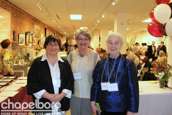 Alisa Weiner, Katharine Reid and Nerys Levy enjoy their night out!