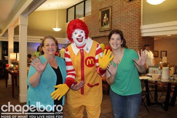 Shelly Day and Elizabeth Hullender with Ronald McDonald