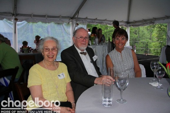 Julia Clark, Howard Clark, Vicki Willard
