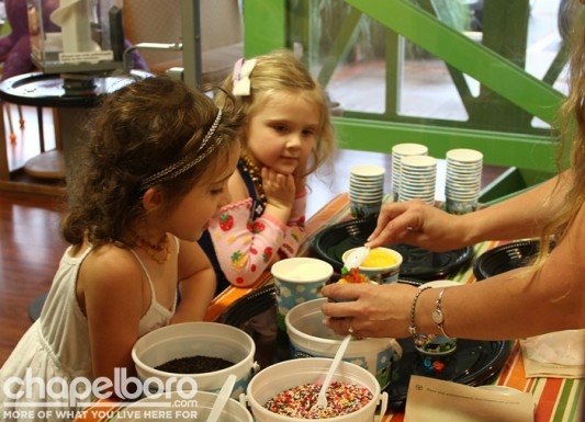 Bella Louise and Ophelia Mae couldn't resist lots of toppings!