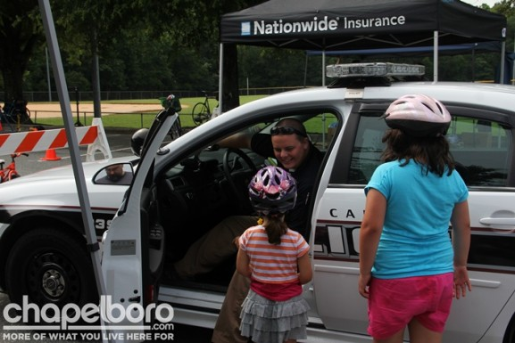 Officer Joey Glenn gave kids a tour of a police car