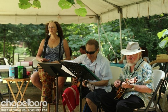 Sherry White Lea, Larry Vellani and Chuck Hodson did a wonderful job of entertaining the guests!