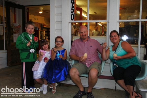 Carson Brady, Abbie Sabrina, Katie Allen, Nick Wright and Lara Justine enjoy a little ice cream on the front porch.